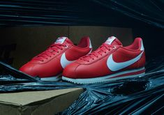 Nike Stranger Things Shoes - Release Dates | SneakerNews.com Nike Cortez, Cortez Shoes, New Nike Shoes, Sneakers Nike, Bobbi Brown, Shoe Release Dates, Air Force One, Shoe Releases, Nike Snkrs