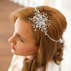 Do you love white flowers??? This is perfect choice for spring wedding...