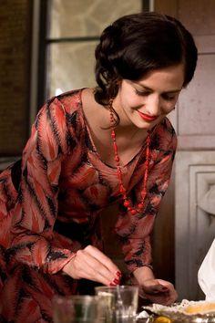 Eva Green's Cracks Film Fashion (Glamour.com UK)