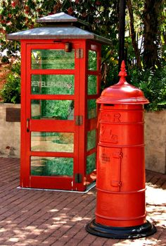communicate in red: historic and traditional red telephone booth and postal letter collection box Advertising Signs, Vintage Advertisements, London Telephone Booth, Antique Mailbox, Vintage Phones, You've Got Mail, Post Box, World Of Color, My Favorite Color