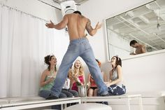 8 things you should never do at a hen party © Chillisauce