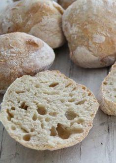 Eli-fri ciabatta – Food On The Table – Oppskrifters Ciabatta, Food Cravings, Bread Baking, Granola, Scones, Nom Nom, Bacon, Bakery, Food And Drink