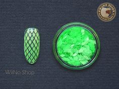 2 x 3mm Neon Green Diamond Shape Nail Art Glitter