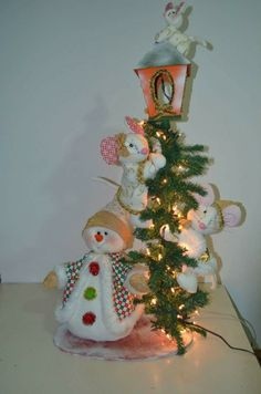 Farol con ratones y nieve de muñecos navideños blanca nieve Felt Crafts, Diy And Crafts, Christmas Crafts, Christmas Decorations, Christmas Ornaments, Holiday Decor, Christmas Makes, Christmas 2019, Christmas Home