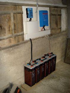 Regulador, inversor-cargador y baterías estacionarias