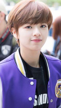Girl Short Hair, Short Girls, Short Hair Cuts, Short Hair Styles, Spirit Fanfic, Twice Jungyeon, Coconut Hair, Kpop Hair, Corte Bob