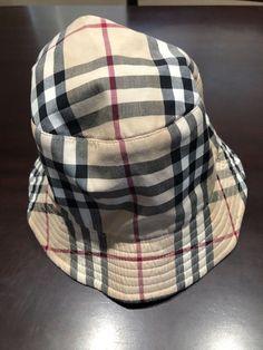 Vintage Burberry Nova Check Bucket Hat Reversible L b08412e4a157