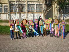 παιχνιδοκαμώματα στου νηπ/γειου τα δρώμενα: χαρταετός !!! Kites Craft, Carnival Crafts, School, Outdoor Decor, Blog, Blogging