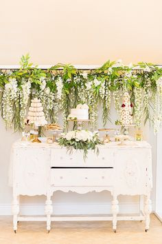 planning an event or an elegant affair? Check out this Kara's Party Ideas featured Elegant Spring Anniversary Party. Anniversary Dessert, 30th Anniversary Parties, Anniversary Party Decorations, 25th Wedding Anniversary, Anniversary Ideas, Adult Birthday Party, 30th Birthday Parties, Blush Wedding Flowers, Lana