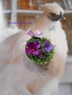 """Bijou de sac Porte clef ou broche - """"Chaudron fleuri"""" - Fantaisie - Printanier - Gazon - Fleurs - Noeud : Autres bijoux par fibule-et-cabochon"""