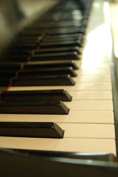 Looking at these keys is like looking at the walkway up to your home. There's something so comfortable, familiar, and lovely about them. Yes, old friend, you are where my fingers belong.