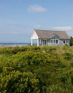 ~ lovely Southampton cottage guesthouse on the dunes
