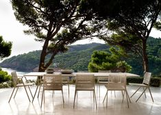 Branch outdoor chair and dinning table designed by Lievore Altherr y Molina for Tribú