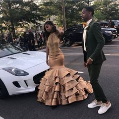 Check out ❤️ Black Girl Prom Dresses, Senior Prom Dresses, Cute Prom Dresses, Prom Outfits, Black Prom, Couple Outfits, Girls Dresses, Dress Black, Swag Outfits