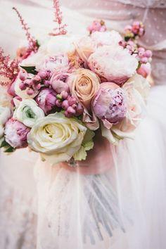 Todo lo que necesitas saber sobre los ramos de novia con peonías. Historia, consejos e inspiración!