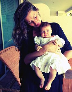 Gorgeous genes = gorgeous baby! Gisele Bundchen shared an adorable pic today of her 2-month-old daughter, Vivian Lake.