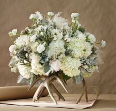 deer horn flower arrangements | Deer antler floral arrangement #Pin ... | Floral Arrangements