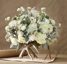 deer horn flower arrangements | Deer antler floral arrangement #Pin ... | Floral Arrangements