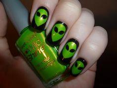 Alien Nail Art :)