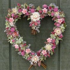 flower heart wreath.   <3 Ene 15 29 <3