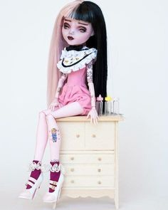 One of a kind Monster High Doll repaints. My Etsy FAQ's for custom orders and quotes. www.facebook.com/Colour2TheBone