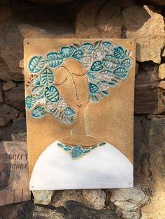 Kachle – zuzana-strakova – album na Rajčeti Clay Tiles, Ceramic Clay, Ceramic Painting, Ceramic Pottery, Ceramics Projects, Clay Projects, Ceramic Workshop, Clay Studio, Mural Wall Art