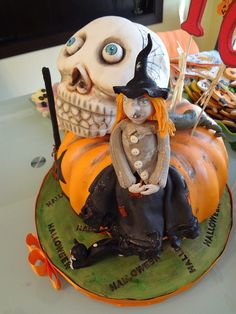 DSC02404 by hrisiv, via Flickr Wedding Cake Toppers, Wedding Cakes, Scary Cakes, Take The Cake, Holiday Cakes, Halloween Cakes, Cake Decorating, Eat, Desserts