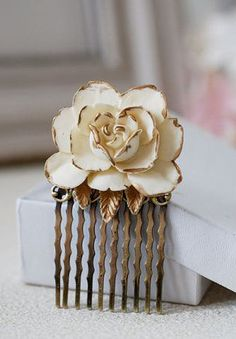 Ivory Rose Hair Comb. Ivory Cream Rose with Gold Petals