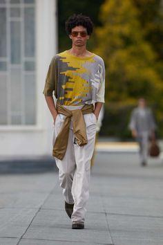 Spring Fashion, Fashion Show, Mens Fashion, Fashion Trends, Trending Fashion, Vogue Paris, Catwalk Collection, Mens Trends, Androgynous Fashion