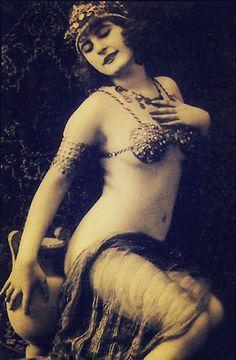 1920s beauty