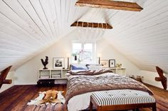 loft room!!!!! another great ceiling idea and color scheme