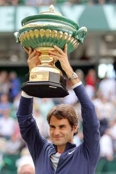 Federer wins a title at the Gerry Weber Open 2014 (Halle, Germany) - victory Roger Federer Family, 7th Heaven, Tennis Players, Halle, Victorious, Superstar, Germany, Sports, Atelier