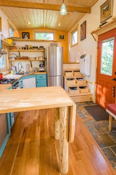Meet Eric and Oliver's Cedar Mansion built by MitchCraft Tiny Homes in Fort Collins, Colorado. The 33 ft. THOW was built on a 10 ft. wide gooseneck trailer and includes tons of space, includi… Best Tiny House, Tiny House Cabin, Tiny House Living, Tiny House Plans, Tiny House On Wheels, Living Room, Tiny House Builders, Tiny House Design, Tiny House Movement