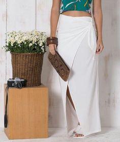 Saia primavera🏵🌻🌹💐 Lindíssima!! Disponível na cor preta Desejando é só chamar😉 #saialonga #fashion #primaveraverao2017