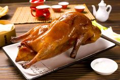 Juicy Peking Duck With Scallions and Honey Duck Recipes, Honey Recipes, Asian Recipes, Chinese Recipes, Chinese Roast Duck, Red Bean Soup, Steamed Pork Buns, Lucky Food, Best Chinese Food
