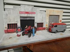 Dioramas de Thierry : voitures, garages, agricoles - Garages, Model Trains, Decoration, Scale Models, Hot Wheels, Diecast, Model Car, Miniatures, Outdoor Decor