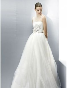 Tulle Jewel Neckline A-Line Wedding Dress with Intricate Embellishment Adorn the Bodice