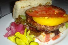 23) Hamburger, Zuni Café, San Francisco-- The 101 Best Burgers in America (PARECE que toda comida é maravilhosa!!)