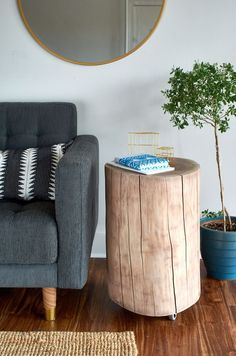 5107 best diy decor and furniture projects images on pinterest in a gorgeous walnut tree stump side table the easy way easy diy projectseasy solutioingenieria Choice Image