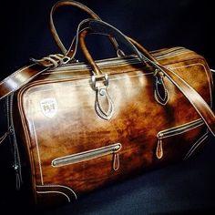 Weekend Bag Gentleman's Essentials Mens Weekend Bag, Fashion Bags, Mens Fashion, Luxury Bags, Leather Men, Leather Bags, Brown Leather, Travel Bags, Travel Backpack