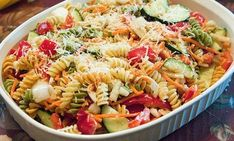 Pasta salad 😘 summer is coming😘😘 Summer Is Coming, Greek Recipes, Summer Salads, Pasta Salad, Salad Recipes, Spaghetti, Easy Meals, Food And Drink, Soup
