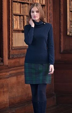 Preppy Outfits, Country Outfits, Classic Outfits, Mode Outfits, Preppy Style, Fall Outfits, Tartan Skirt Outfit, Tweed Skirt, Plaid Skirts