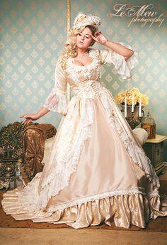IM Lager Marie Antoinette oder viktorianischen Fantasy Champagner und Lace Set mittlere/große Verkauf