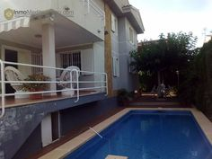 Villa con piscina en Benicassim - 350.000€ Villa 300 m2 de parcela. 4 habitaciones, 4 baños http://nazca-alliance.com/es/activo/villa-con-piscina-en-benicassim