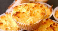 Queijadinhas!  Ingredientes: 3 e ¼ xícaras (chá) de açúcar 5 colheres (sopa) rasadas de manteiga 1 e ¼ xícara (chá) d...