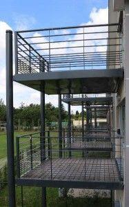 garde corps d 39 ext rieur en m tal panneaux en verre cabourg escalier design 14 d co. Black Bedroom Furniture Sets. Home Design Ideas