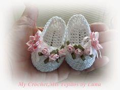 My Crochet , Mis Tejidos: Baby Booties - for a baby girl / Zapatitos para una Bebe recien nacida