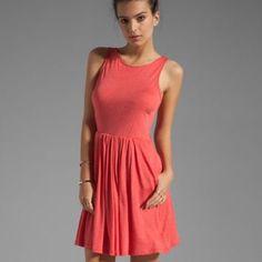 Splendid Dress NWOT Jersey dress, skirt is lined. NWOT Splendid Dresses