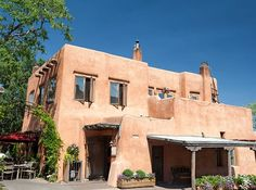 3-day weekend - Santa Fe, New Mexico This walkable and enchanting city boasts pleasant weather and unique Pueblo-Spanish architecture. Start your day with a New Mexican breakfast of huevos rancheros at The Pantry before exploring the colorful art scene. Don't miss the Georgia O'Keeffe Museum, art fairs and galleries showcasing everything from antiques to Native American turquoise jewelry. While you're there, be sure to hit one of the many spas around town,like Ojo Caliente Mineral Springs…