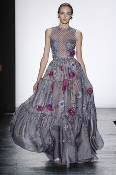 Dennis Basso Spring 2016 Ready-to-Wear Collection Photos - Vogue